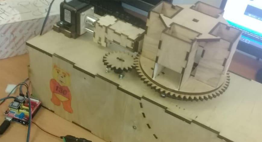 Вендинговый аппарат для выдачи инструмента